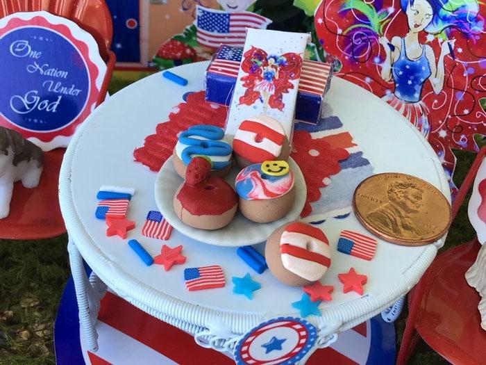 5 patriotic sweet donuts, miniature donuts