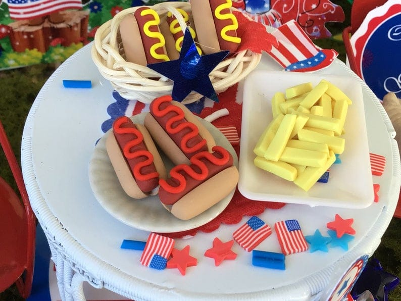 Fairy Food: hotdogs